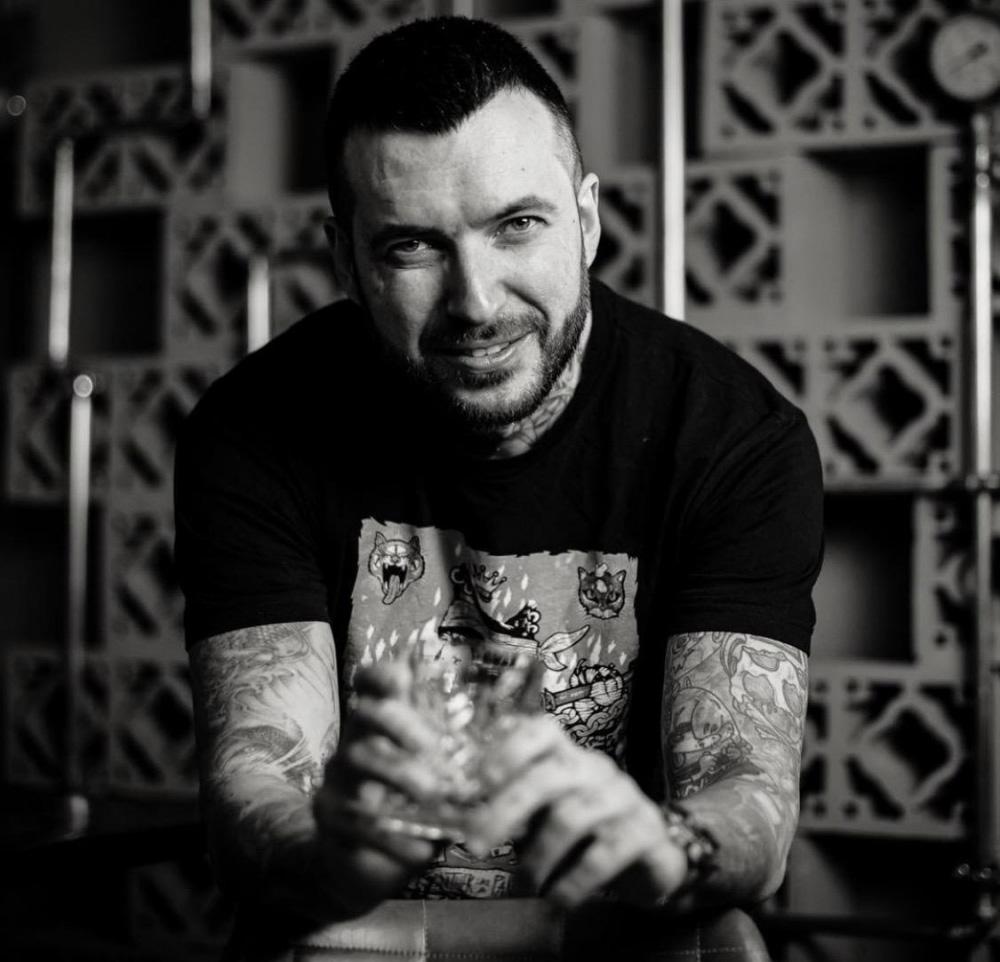 """#ViațaÎnCulori cu Cristian Oxi Constantin: """"Unele dintre tatuaje ascund povești legate de oameni sau momente importante din viața mea."""""""